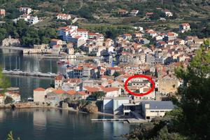 Apartments by the sea Komiza (Vis) - 8860