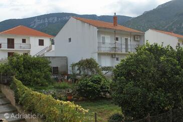 Komiža, Vis, Property 8866 - Apartments with pebble beach.