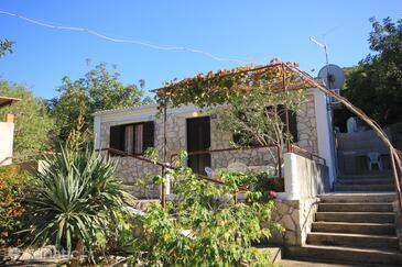 Rogačić, Vis, Объект 8889 - Дом для отдыха вблизи моря с галечным пляжем.