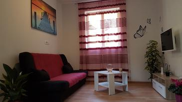 Parja, Living room in the house, (pet friendly) and WiFi.