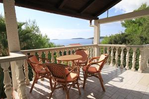 Apartments by the sea Milna, Vis - 8895