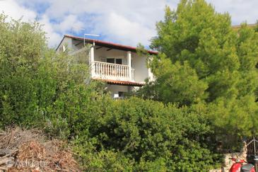 Milna, Vis, Property 8895 - Apartments near sea with pebble beach.