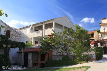 Milna, Vis, Объект 8896 - Апартаменты вблизи моря с галечным пляжем.