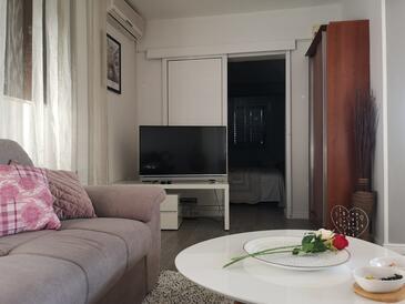 Rukavac, Obývací pokoj v ubytování typu apartment, s klimatizací, domácí mazlíčci povoleni a WiFi.