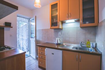 Rukavac, Kitchen in the studio-apartment, WIFI.
