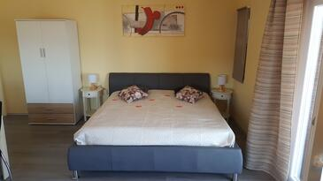Sali, Salon dans l'hébergement en type apartment, climatisation disponible et WiFi.