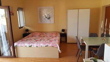 Sali, Гостиная в размещении типа apartment, доступный кондиционер и WiFi.