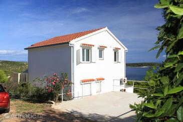 Brgujac, Vis, Property 8919 - Apartments with pebble beach.