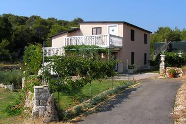 Rukavac, Vis, Property 8920 - Apartments with pebble beach.