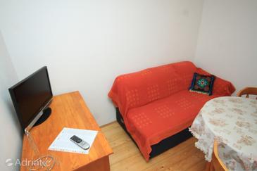 Vis, Living room in the apartment, dopusteni kucni ljubimci.
