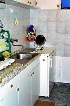 Komiža, Kuchyňa v ubytovacej jednotke studio-apartment, WIFI.