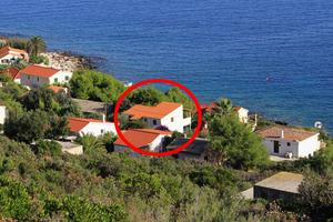 Apartments by the sea Milna, Vis - 8942