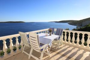 Apartments by the sea Milna, Vis - 8944