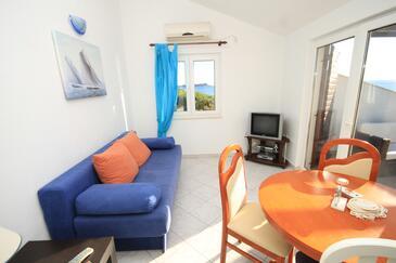 Milna, Obývací pokoj v ubytování typu apartment, s klimatizací a domácí mazlíčci povoleni.
