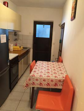 Mala Pogorila, Dining room in the apartment, (pet friendly) and WiFi.