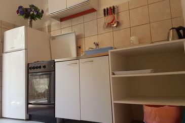 Mala Pogorila, Kuchyně v ubytování typu studio-apartment, domácí mazlíčci povoleni a WiFi.