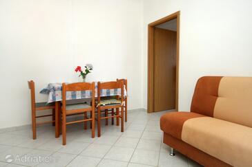 Molunat, Jídelna v ubytování typu apartment, WiFi.