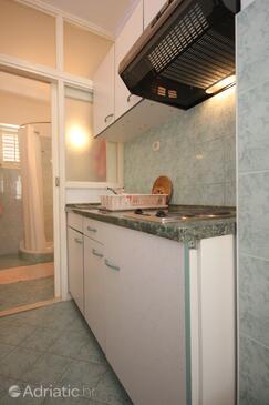 Srebreno, Kitchen in the studio-apartment, dopusteni kucni ljubimci i WIFI.