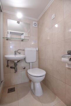 Bathroom 2   - A-8961-a