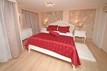 Bedroom    - A-8961-a