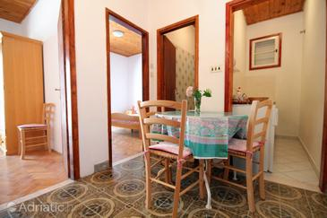 Molunat, Dining room in the apartment, WIFI.
