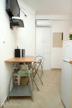 Cavtat, Blagovaonica u smještaju tipa studio-apartment, dostupna klima i WiFi.