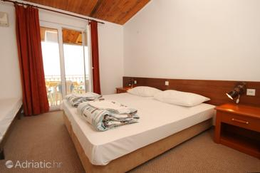 Plat, Bedroom in the room, dostupna klima i WIFI.