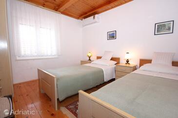 Bedroom 3   - A-8976-a