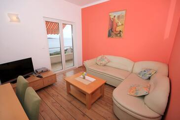 Soline, Obývacia izba v ubytovacej jednotke apartment, dostupna klima, dopusteni kucni ljubimci i WIFI.