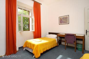 Bedroom 2   - K-8980