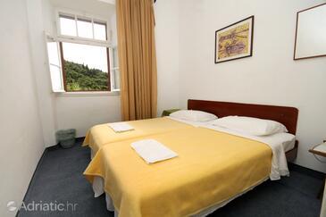 Bedroom 5   - K-8980