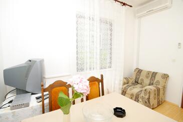 Cavtat, Obývacia izba v ubytovacej jednotke apartment, domáci miláčikovia povolení a WiFi.