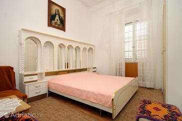 Zaton Mali, Ložnice v ubytování typu room, WiFi.