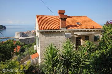 Dubrovnik, Dubrovnik, Property 8999 - Apartments with pebble beach.