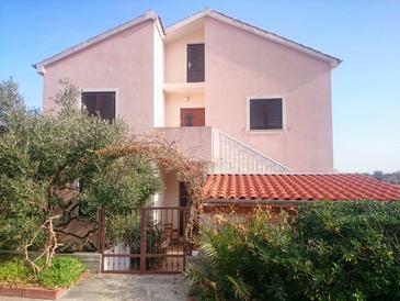 Sali, Dugi otok, Property 901 - Apartments by the sea.