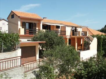 Sali, Dugi otok, Property 903 - Apartments by the sea.