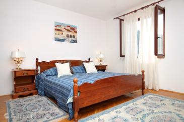 Zaton Mali, Bedroom in the room, dostupna klima i WIFI.