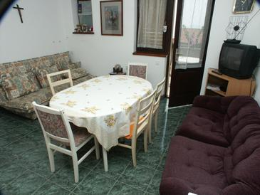 Sali, Dining room in the apartment.