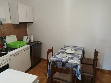 Cavtat, Dining room in the apartment, (pet friendly) and WiFi.