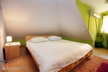 Bedroom    - A-9071-a