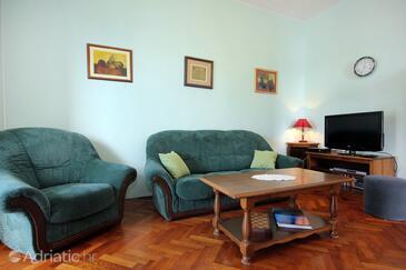 Living room    - A-9077-b