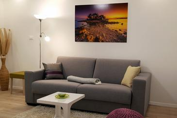 Trsteno, Living room in the apartment, air condition available and WiFi.