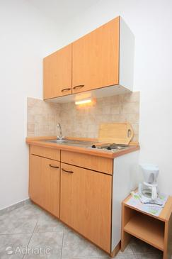 Trsteno, Kitchen in the studio-apartment, dopusteni kucni ljubimci i WIFI.