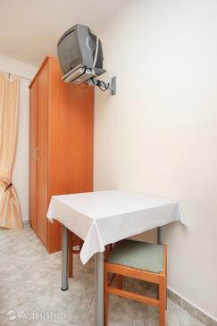 Trsteno, Dining room in the studio-apartment, dopusteni kucni ljubimci i WIFI.