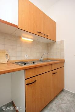 Trsteno, Kitchen in the studio-apartment, dopusteni kucni ljubimci i WIFI.