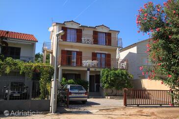 Rogoznica, Rogoznica, Property 9127 - Apartments near sea with pebble beach.