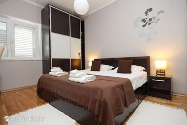 Bedroom    - A-9132-a