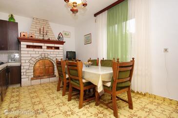 Prigradica, Столовая в размещении типа apartment, доступный кондиционер и WiFi.