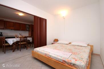 Prigradica, Obývací pokoj v ubytování typu apartment, s klimatizací a WiFi.