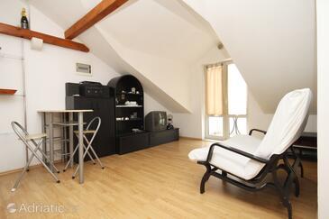 Brna, Living room in the apartment, dopusteni kucni ljubimci i WIFI.